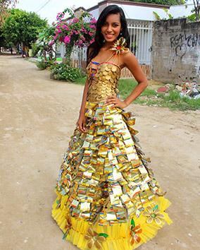 Vean Este Vestido Que Una Joven Apadrinada Elaboró Usando